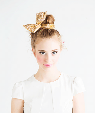 bando-twist-scarf-lifestyle-gold-w_7