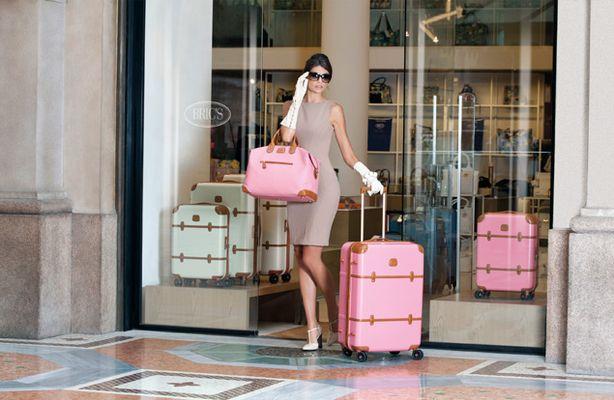 brics_pink_luggage_01