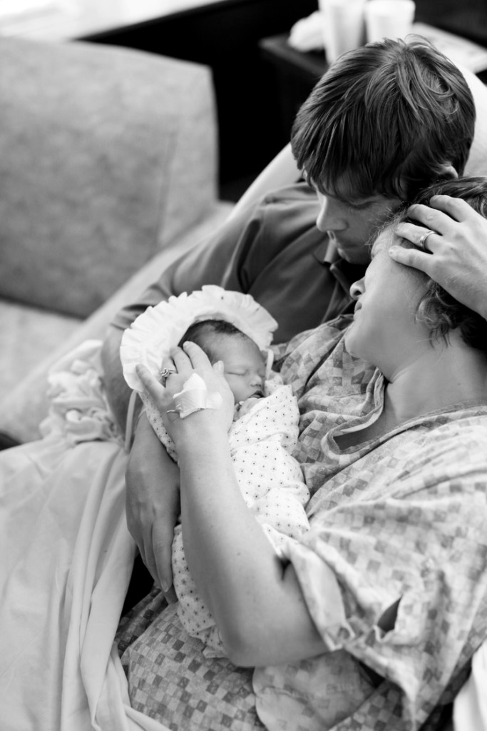 what to say to a friend who lost a baby, stillbirth, infant loss, grief, losing a child, helpful things to say to a grieving mother