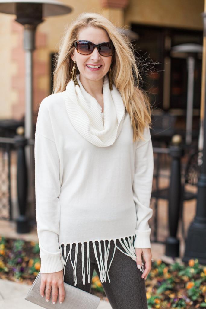 dallas fashion blogger, fringe sweater,