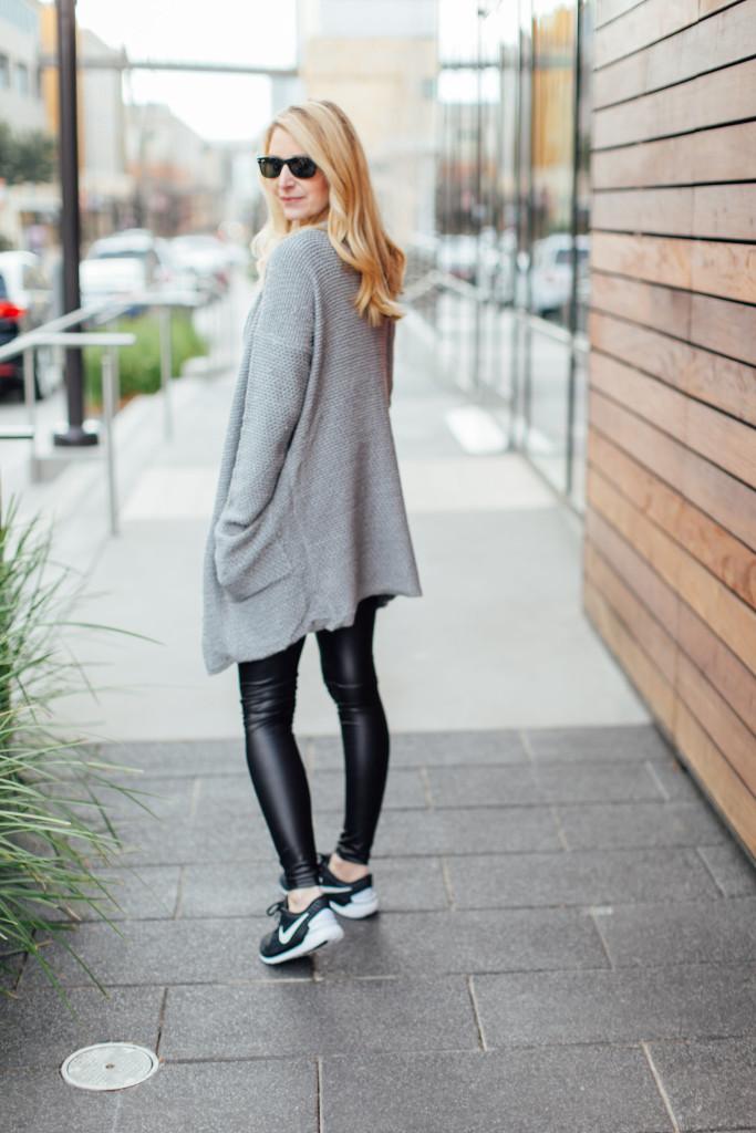 dallas blogger, stephanie drenka, liquid leggings,