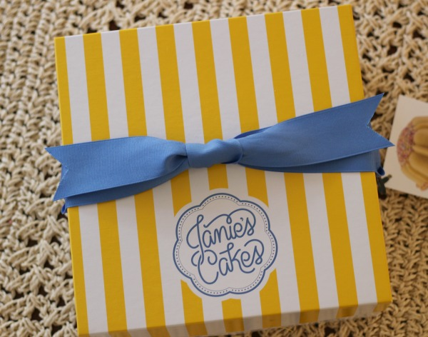 Janie's Cakes, poundcake, Dallas blogger, gourmet gift idea, gift idea to ship, corporate gift