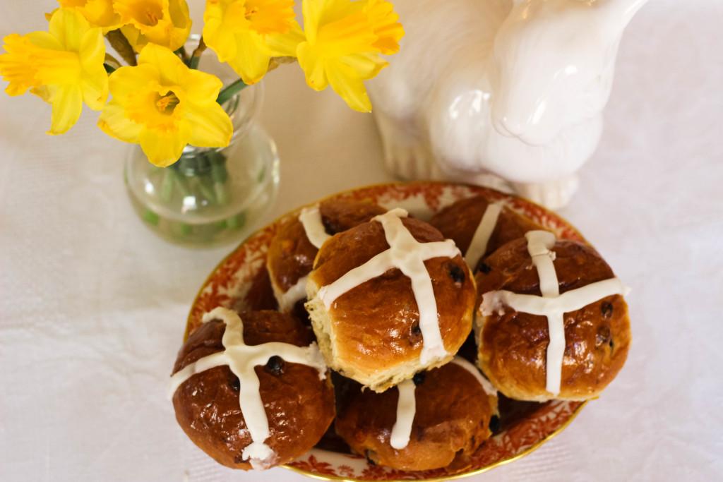 empire baking company, dallas bakery, dallas blogger, gourmet gift, hot cross buns