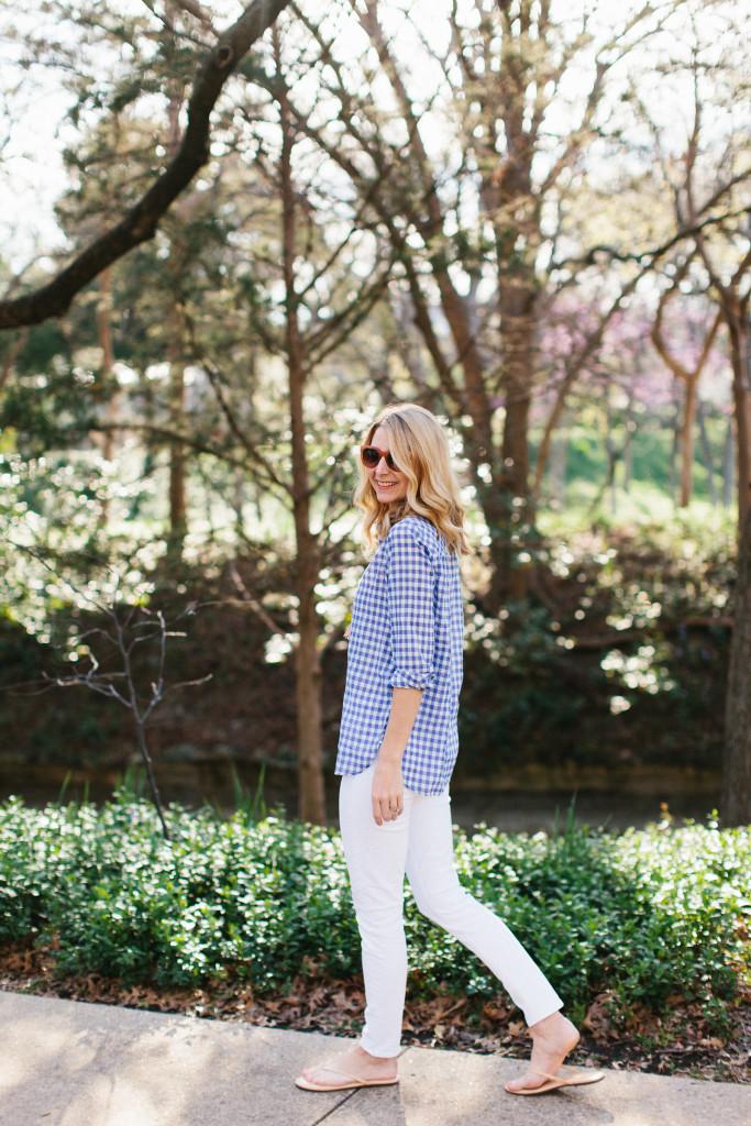 dallas blogger, j. crew, white skinny jeans, gingham shirt, preppy, tassel necklace