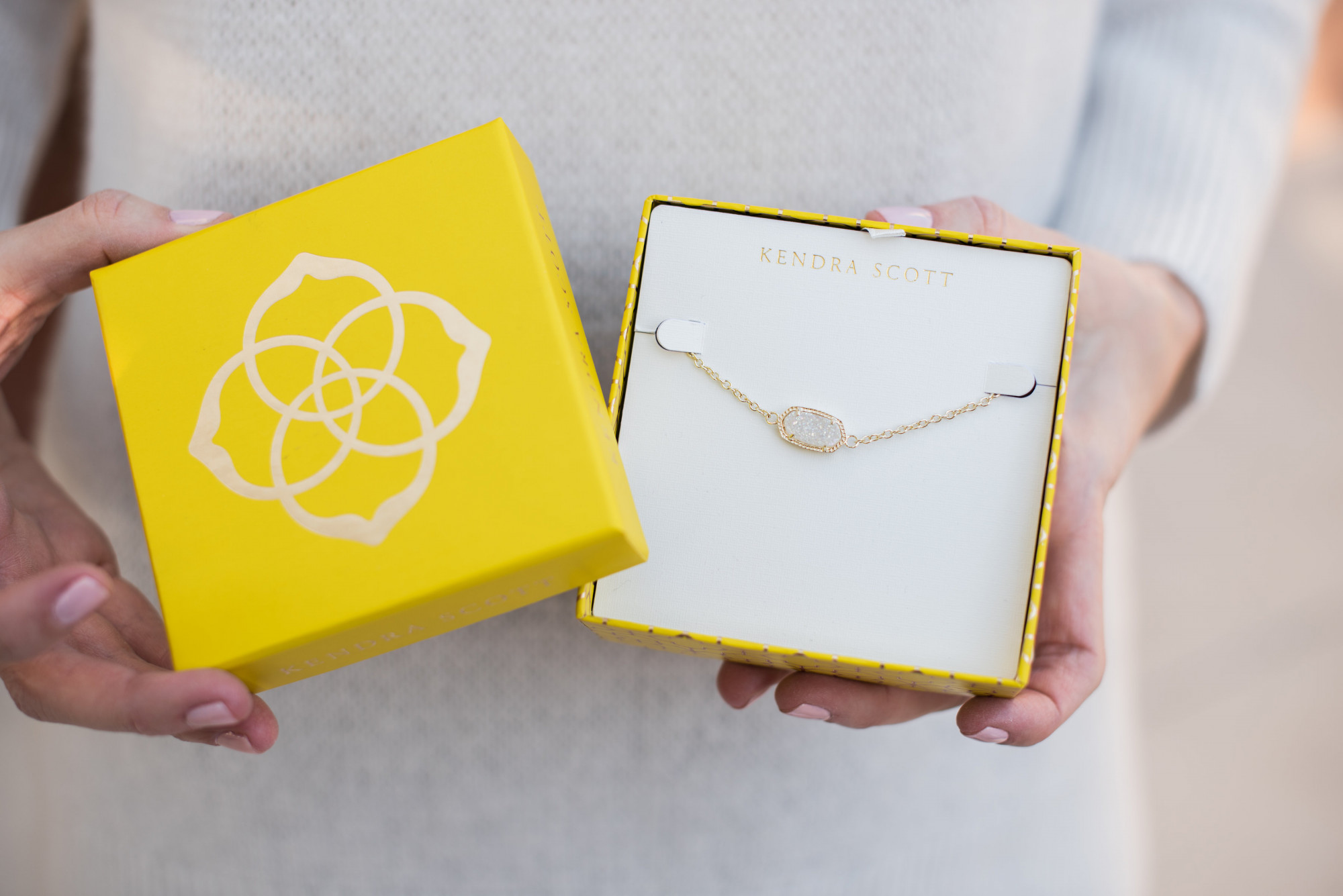 kendra scott jewelry gift