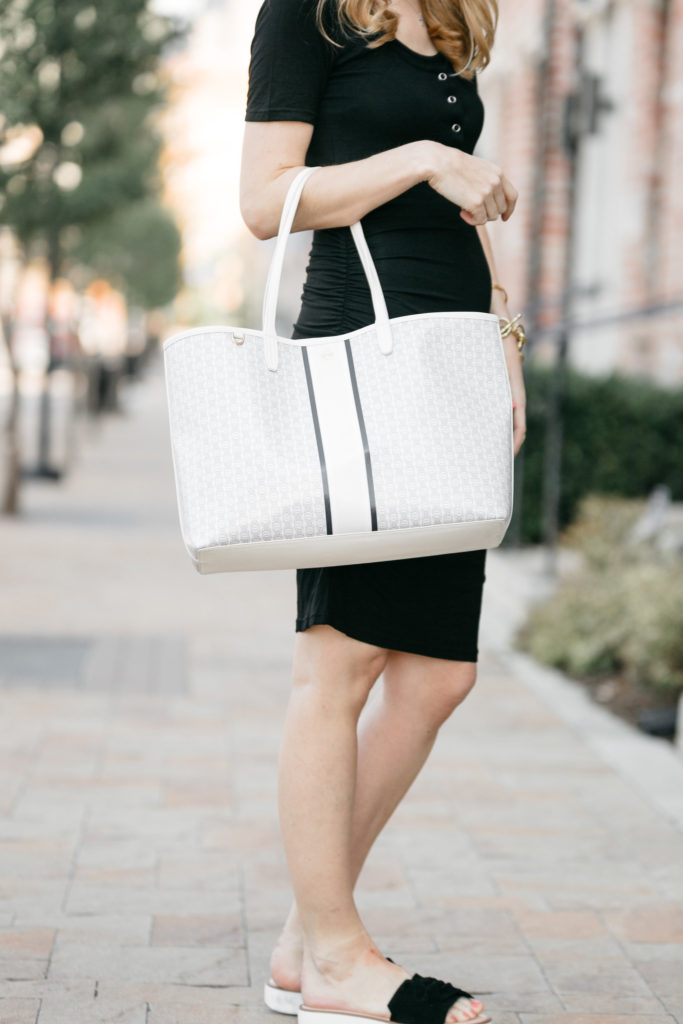 92d2ddd07dc4 The Affordable Tory Burch Tote That Doubles as a Pool Bag!